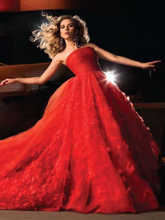 scarlett-johansson-photos-in-red-dress-10