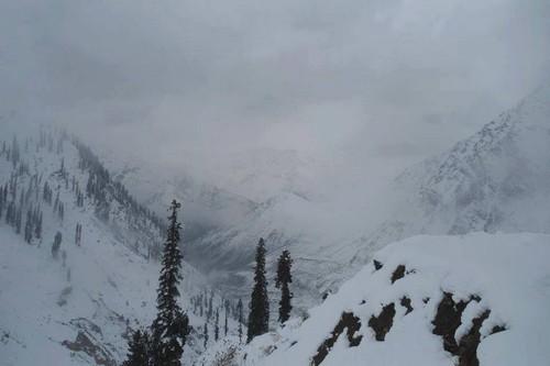 snow-fall-in-naran-valley