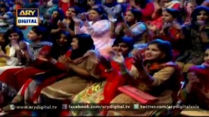 Girl asks funny question from Noman Masood In Dilpazeer Show