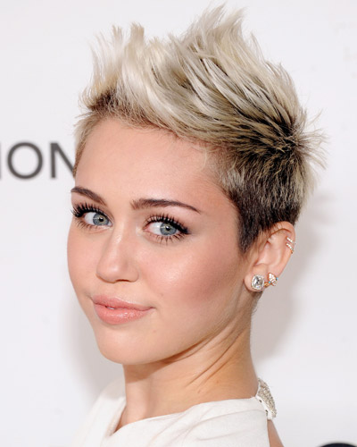 miley-cyrus-spiky-pixie-hairstyle-2017